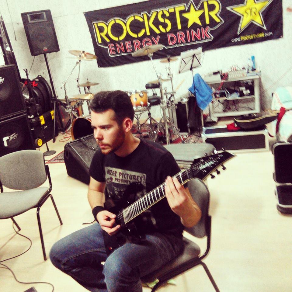 Phobos Preacher en el estudio grabando