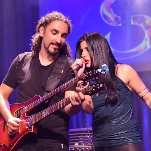 Yossi Sassi and The Band con Mariangela Demurtas