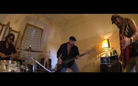 """Visitantes: nuevo videoclip """"No Pares"""""""